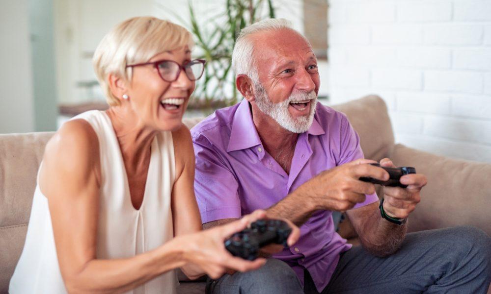 Jeux video, grands parents et enfants en profitent lors du confinement
